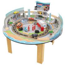 """Matériel de jeux en bois : Circuit pour enfants en bois """"Cars 3 Disney® Pixar Table et circuit Florida"""" kidcraft. Circuit enfants en bois """"Cars 3 Disney® Pixar Table et circuit Florida"""" de qualité et à acheter pas cher."""
