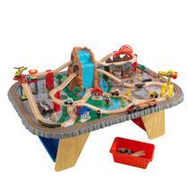 """Matériel de jeux en bois : Circuit pour enfants en bois """"Train et table waterfall station"""" kidcraft. Circuit enfants en bois """"Train et table waterfall station en bois"""" de qualité et à acheter pas cher."""
