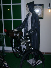 Altes Herrenrad mit Karbid-Lampe