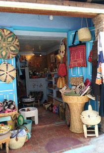 モロッコ青い街シャウンの可愛いshop。モロッコ在住日本人Mikaのブログ