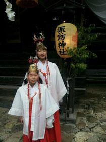 小坂の祭り 姉妹で舞を踊りました