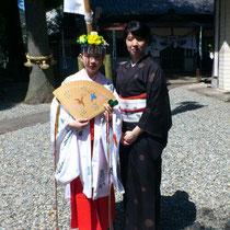 湯之島春祭り お母様も着物姿で参列 いいお天気でした