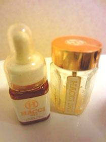 ハッチの蜂蜜。たまに化粧水のあとにつけたりします。保湿効果があるみたい^^たまになめたりしても美味しい(笑)