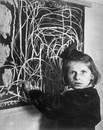 TERESA POLOGNE 1948 by D. SEYMOUR