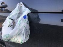 Müllsack ameisensicher am Bus