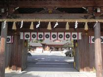 表神門から拝殿