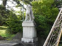 狛犬(右)