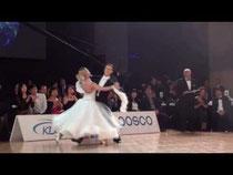 VW優勝者の優雅なダンス