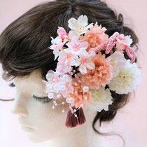 造花のヘアアクセサリーや髪飾り