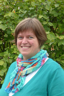 Frau Katja Henkel
