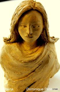Raina , sculpture patinée . D. Petit
