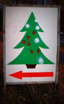 Tafel mit Christbaumpfeil