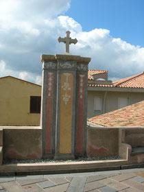 Duomo: Croce esterna