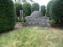 ▲北原白秋と北原家の墓地