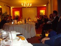 Im Rahmen des Change Prozesses haben die Teilnehmer die Möglichkeit in einer anschliessenden Abendveranstaltung Fragen an das Management zu stellen. Kaminabend in Treviso, März 2013