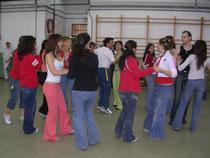 Aquí todo el mundo baila