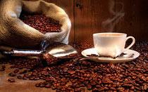 Wir bieten verschiedene Kaffeemaschinen, All-Inclusive-Kaffeeservice, Geschirr, Gläser u.v.m - pixabay.com