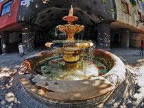 Hundertwasserhaus III Brunnen