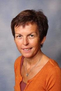 Marianne Mair,  Lehrerin in mehreren  Klassen