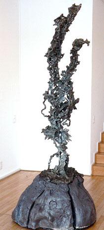 """Thomas Virnich, """"Blitz"""" (Eiffelturm)"""", 2000-2012, Bronze, Stahl, Steingut hochgebrannt, 257 x 90 x 90 cm"""