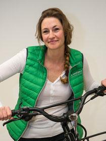 Judith Schlögel im Lastenfahrrad-Zentrum Fuchstal