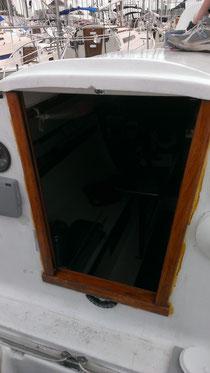 Reste à enlever le ruban à masqué installé tous le tour du cadre de porte et voila!
