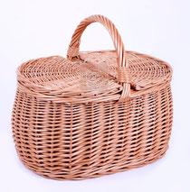 Корзины для пикника, сумки плетеные.