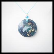 Petite amulette avec turquoise
