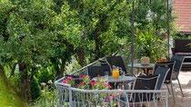 Genuß und Entspannung auf unserer Terrasse