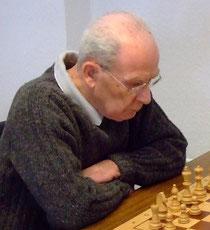 Dr. Karl-Peter Müllers Partiegewinn sicherte den Mannschaftssieg (Foto: A. Obdenbusch)