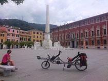 Piazza degli Aranci à Massa