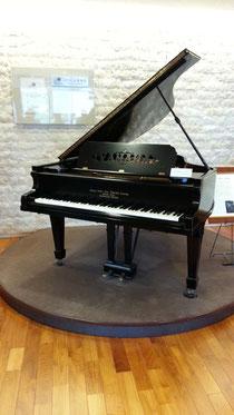明治天皇へ献上されたピアノ