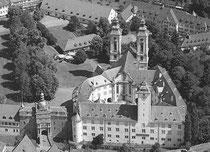 Deutschordenschloß Bad Mergentheim (kam 1219 in den Besitz des Deutschen Ordens und war ab 1526 Sitz des Hoch- und Deutschmeisters)