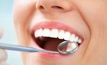 Zahnbehandlung mit Kurkuma
