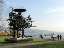 Tinguelys Heureka am Zürichhorn (Wikimedia Commons.com)