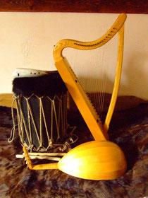 Luth, harpe, tambour et guemshorn