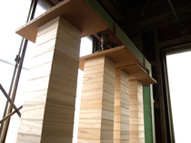 木箱の蓋を圧着
