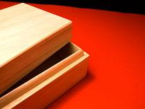 桐材を使った木箱