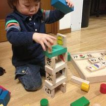 安心安全国産木製玩具で遊ぶ