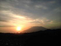 今朝の午前5時30分頃の「桜島」です