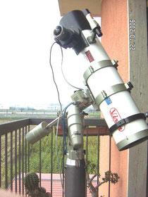 Fig.2.  Particolare della camera CCD Finger Lake Instrumentation ME2 e della ruota portafiltri manuale.