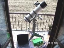Fig.1.   La strumentazione utilizzata: riflettore newtoniano Vixen 150/750 mm  su montatura GP-DX e colonna, puntamento automatico tramite FS2  e computer portatile.