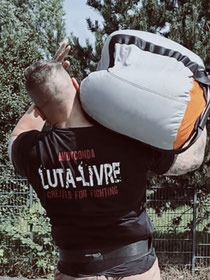 SC Int'l - Street Combatives - Sandbag Lifting und Sandbag Carries für Combatives, Krav Maga und Kampfsport