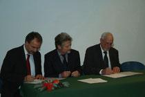 Foto (von links nach rechts): Prof. Dr. U. Schurr, Forschungszentrum Jülich, Prof. Dr. P. Stehle, Dekan der Landw. Fakultät der Univ. Bonn, und Johannes Frizen, Präsident der Landwirtschaftskammer NRW