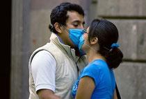 Bientôt... Rien que des baisers légaux et  hygièniques...