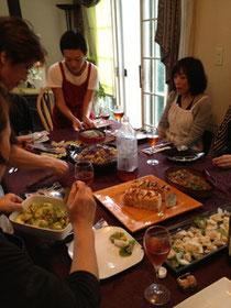 みんなで作ってみんなで食べるのを楽しみます