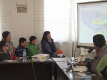 センターを訪問し環境問題について学ぶ子どもたち