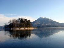 阿寒湖の無人島・ヤイタイ島