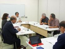 定例会を開いた竹富町教育委員会=27日午前、石垣港離島ターミナル会議室