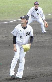 大嶺兄弟が地元石垣島で先発出場した=市中央運動公園野球場